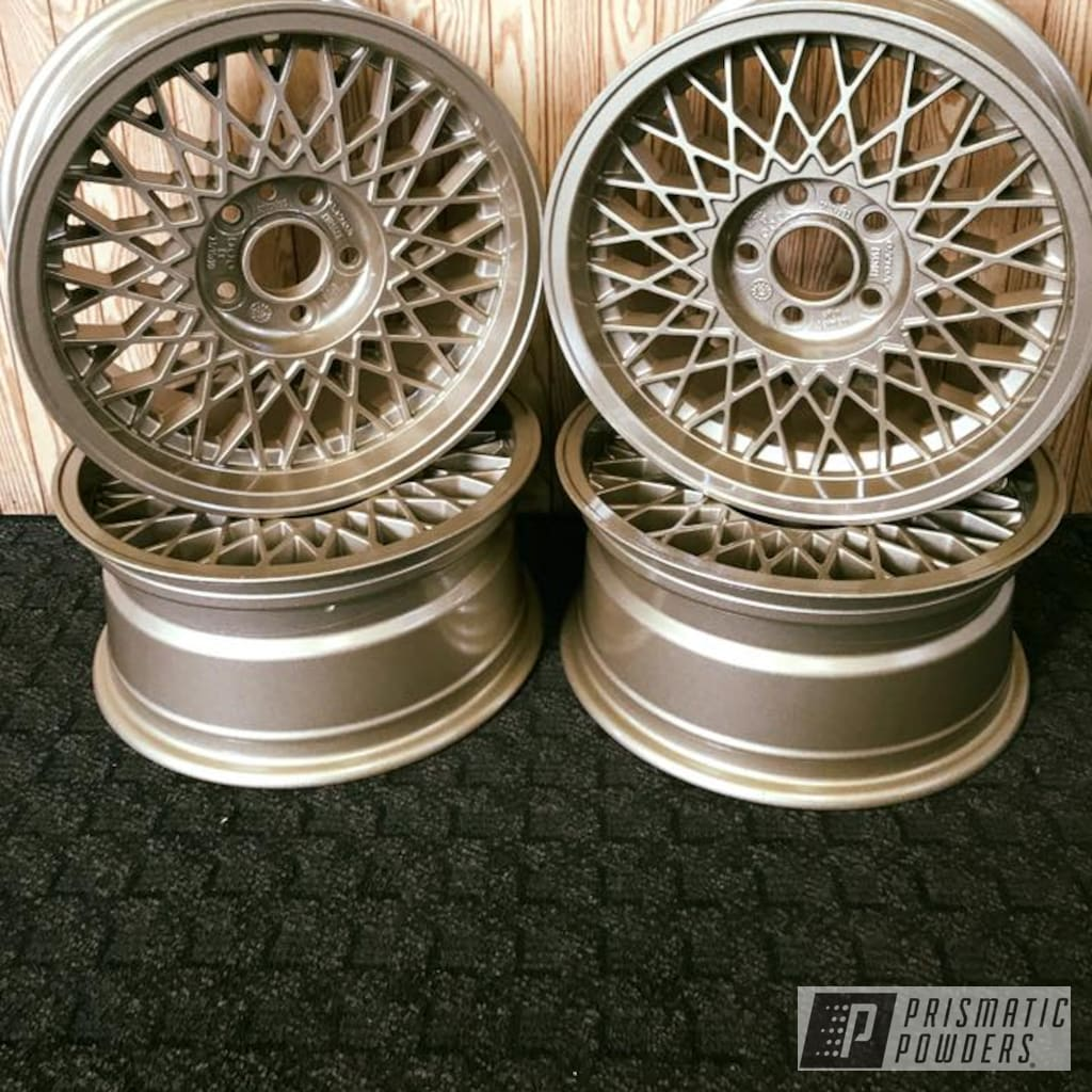 Wheels In Clear Vision And Roman Gold | Prismatic Powders